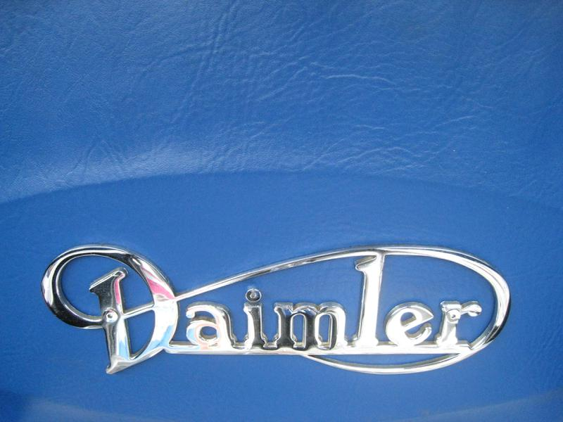 Ny Car Show >> Andrea C. Currie :: :: Portfolio :: Photography :: Photography 2009 :: Daimler logo